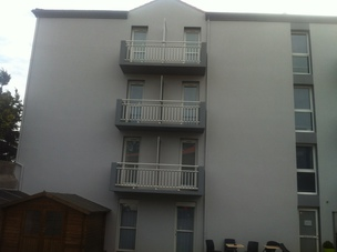 façade d'un bâtiment, maison, locaux professionnels